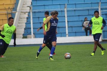 El técnico Maygua prueba con Adrián y Manrique en el ataque de Real