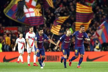 Barcelona logra la victoria ante un combativo Alavés