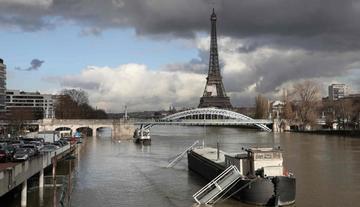 Aumento de caudal del río Sena en París deja 1.500 personas evacuadas