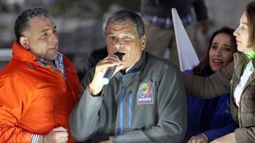 Correa denuncia el asedio de una turba en su contra en Ecuador