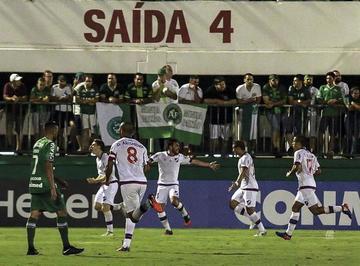 Nacional gana por la mínima a Chapecoense