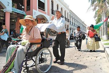 Asignan Bs 15 millones para el bono mensual de los discapacitados