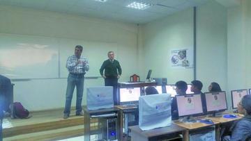 UATF comprueba eficiencia de programa informático en toma de examen