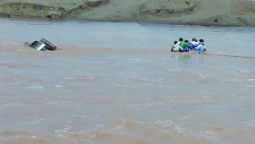 Las lluvias destruyen camino en la región del sudoeste potosino