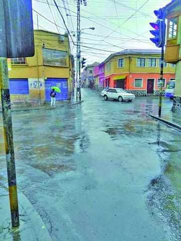 Declaran alerta naranja por presencia de fuertes lluvias