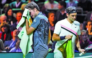 Federer pasa a semifinales y arrebata el número 1 a Nadal