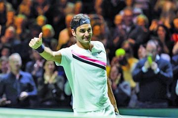 Federer gana y jugará con Dimitrov la final