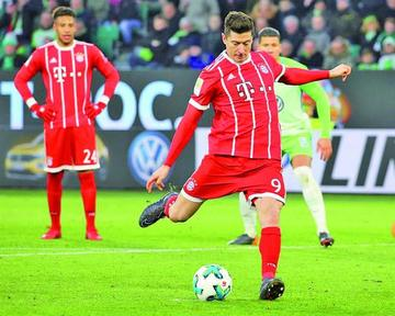 Bayern vence a Wolfsburgo y mantiene su racha