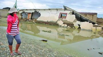 Reportan que hay seis regiones que sufren el desborde de los ríos