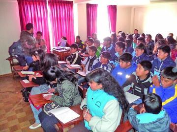 Estudiantes asisten al taller sobre preservación del Cerro