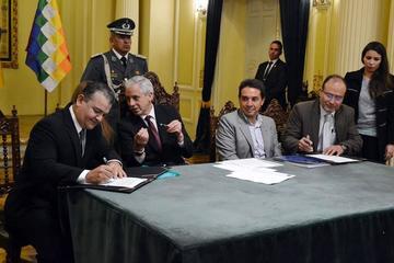 Firman un acuerdo que apunta a dinamizar construcción de obras
