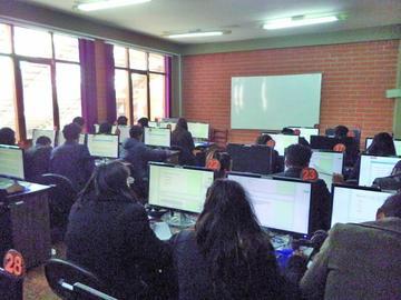 UATF habilita segundo examen para Ingeniería Comercial