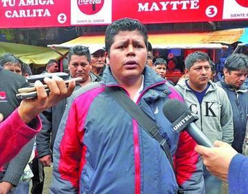 Cocaleros levantan su bloqueo en la ruta a Yungas