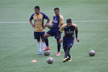 Maygua busca mejorar el trato del balón en Real Potosí