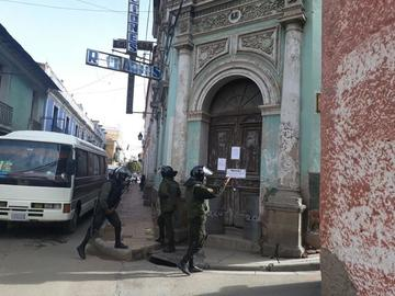 Cierran Ecobol-Bolivia e indemnizan a personal