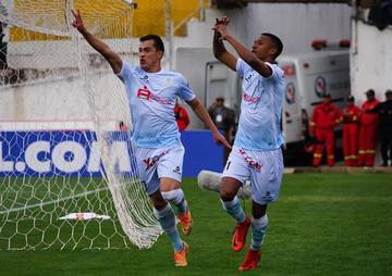Real Garcilaso somete a Santos