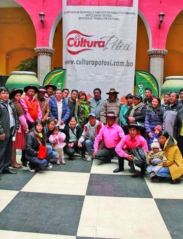 Premian a lo mejor del Carnaval de Tarapaya