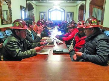 Los mineros retoman el diálogo pero con posiciones encontradas