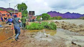 Reportan 17.500 familias afectadas y 30 zonas de desastre por las lluvias