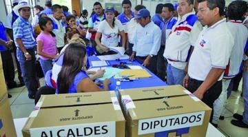 El voto nulo cobra fuerza en el conteo electoral de El Salvador
