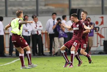 Lanús se clasifica pese a perder ante Sporting Cristal