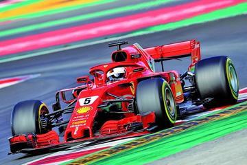 El Ferrari de Vettel vuela en Montmeló