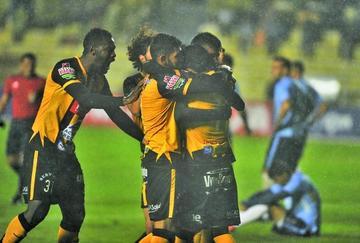 """El Tigre golea y termina la primera fase como líder del grupo """"B"""""""