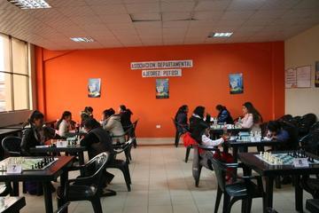 La Villa Imperial congrega a las mejores deportistas del ajedrez boliviano