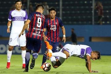 Cerro Porteño se impone a Defensor Sporting