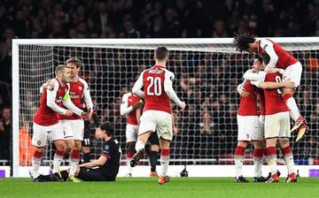 Arsenal vence a Milán y avanza a cuartos de final de la Europa League