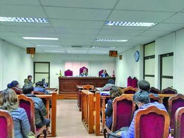 Procesados por hacerse pasar como abogados son declarados rebeldes