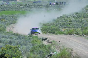 López, Llanos y Arce suben al podio en automovilismo