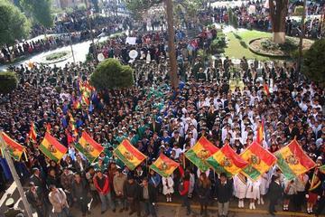 Convocan a escuelas al desfile del Día del Mar