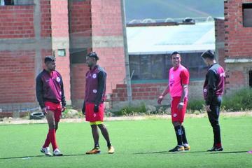 Partido entre Nacional Potosí y Aurora se jugará el domingo a las 18:15