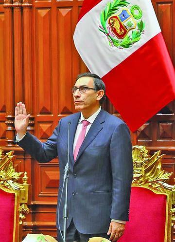 Vizcarra asume la presidencia de Perú para combatir la corrupción