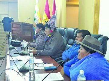 Aprueban modificaciones de recursos de la Gobernación
