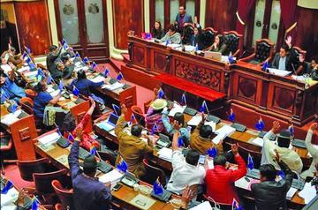 Ropavejeros piden cita con Evo para tratar ley anticontrabando