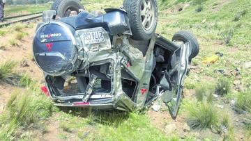 Accidente deja cuatro personas heridas