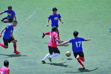 El campeón debuta con goleada en el torneo de la AFP