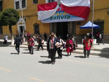 Coroma reporta una distensión en el conflicto de límites con Oruro