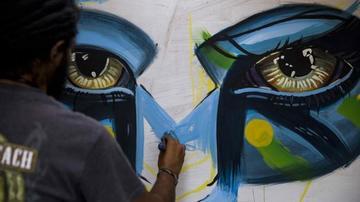 Centenar de artistas pintan  sus cuadros al aire libre