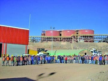 Mineros quieren alza salarial del 15 % pese a altos sueldos