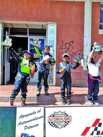 Los Sandoval ganan en el departamental de karting