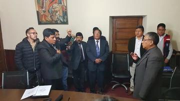 Gobernador posesiona al nuevo director del Sedes para encaminar obras