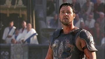 Crowe vende la armadura de Gladiador por divorcio