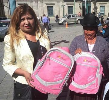 Caso de sobreprecio de mochilas toca al alcalde