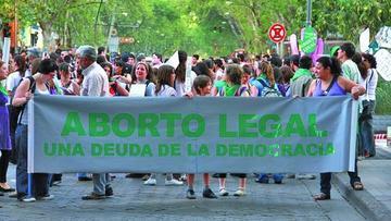 Argentina debate opciones para despenalizar el aborto