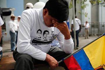 Ecuador llora por los periodistas asesinados por unos guerrilleros