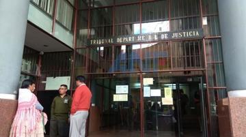 Encarcelan a extranjero por robo por una orden judicial