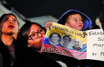 Buscan a responsables del asesinato de equipo periodístico de Ecuador